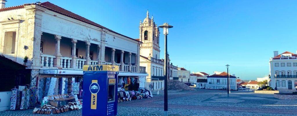 La España sin efectivo. Falta de acceso a cajeros automáticos.